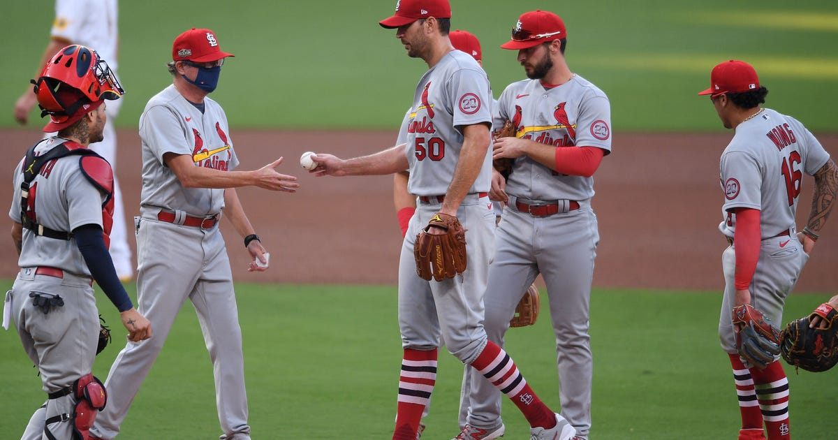 Cardinals squander four-run lead, fall 11-9 to Padres in Game 2 of wild-card series