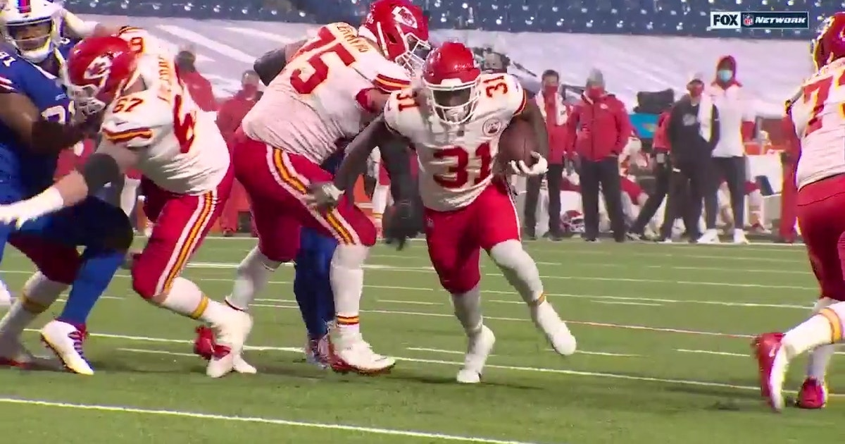 Chiefs RB Darrell Williams punches in 13-yard rushing TD on 4th down to secure win over Bills