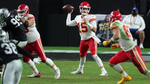 Chiefs win rematch against rival Raiders 35-31