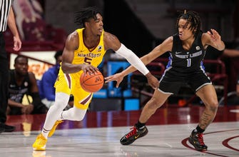 Carr scores 32, Gophers knock Saint Louis from ranks of unbeaten