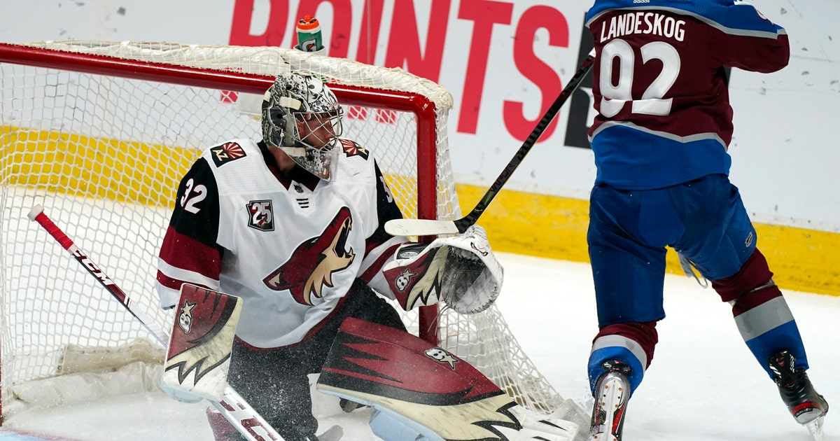 Raanta enters late, helps Coyotes hold off Avalanche 3-2