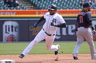 Jeimer Candelario registers three hits and an RBI in Tigers 5-2 win over Indians thumbnail