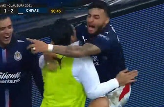 Alexis Vega saves the day with game-winning 90th-minute goal for Chivas