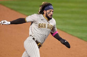 Fernando Tatis Jr. bats in game-winning run as Padres edge Dodgers, 3-2 thumbnail