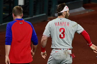 Bryce Harper leaves game after taking fastball to face, Phillies down Cardinals, 5-3 thumbnail