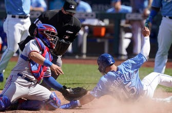 Royals offense stays hot in 11-4 comeback win over Rangers thumbnail