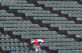 Rain forces postponement of Saturday's Royals-White Sox game thumbnail