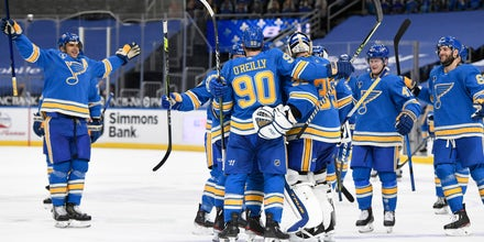 Hoffman's two goals, O'Reilly's game-winner lift Blues to overtime win over Wild
