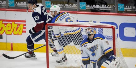 Blues fall in fifth straight with 3-2 loss to Avalanche