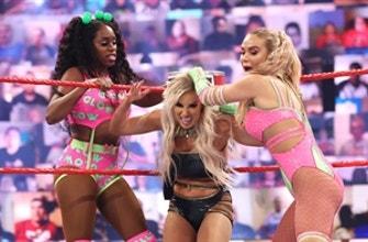 Naomi & Lana vs.Mandy Rose & Dana Brooke: Raw, 31 de mayo de 2021