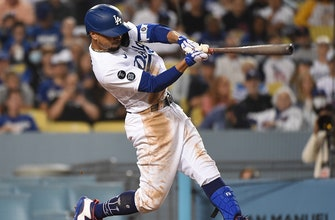 Mookie Betts goes 2-for-3 with a homer as Dodgers beat Giants, 3-2 thumbnail