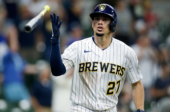Brewers register 10 runs in the eighth to pull away from Cubs, 14-4 thumbnail