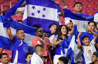 El Salvador bags two goals in three minutes, cuts into Qatar's lead, 3-2