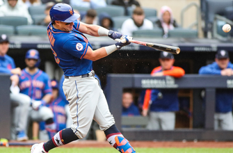 Mets' offense explodes for five runs in the sixth inning handing Yankees 8-3 loss