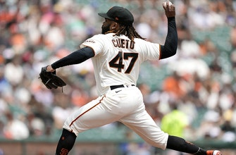 Johnny Cueto blanks Dodgers, 5-0, Giants widen lead in NL West to three games thumbnail