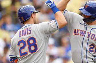 J.D. Davis crushes two run homer to help Mets take down Dodgers, 7-2 thumbnail