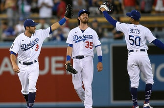 Chris Taylor registers game-winning, two RBI double in Dodgers' 5-3 win over Angels thumbnail