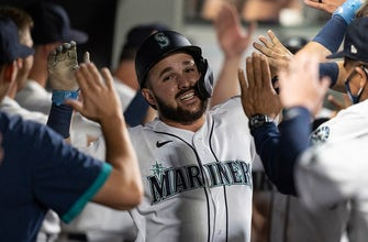 Luis Torrens homers, drives in five as Mariners beat Blue Jays, 9-3 thumbnail