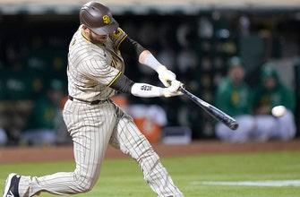 Austin Nola goes 4-for-5 as Padres handle Athletics, 8-1 thumbnail
