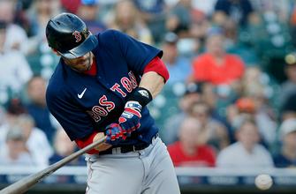 J.D. Martinez's homer helps Red Sox edge Tigers, 4-1 thumbnail