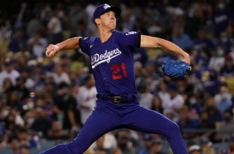 Walker Buehler puts on a pitching clinic over seven innings as Dodgers hold off Mets, 3-2 thumbnail