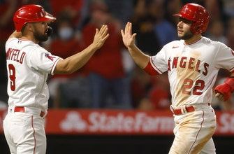 Fletcher, Mayfield homer Padres overwhelmed by Angels 10-2 thumbnail