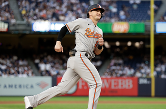 Orioles launch four homers in 7-1 rout of Yankees thumbnail