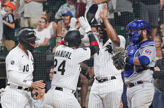 Yasmani Grandal drives in eight runs, leads White Sox to 17-13 win over Cubs in slugfest thumbnail