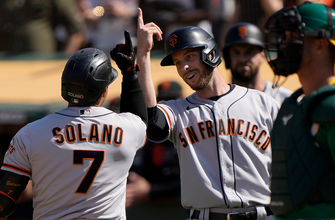 Donovan Solano's eighth-inning two-run jack lifts Giants over A's, 2-1 thumbnail