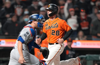 Buster Posey gets walk-off RBI after fielding error as Giants beat Dodgers, 3-2, in 11 innings