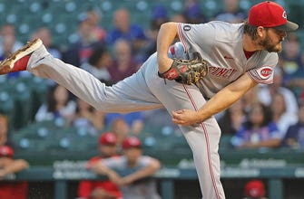 Wade Miley racks up eight K's over seven innings in Reds' 4-3 win over Cubs thumbnail