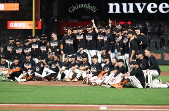 Giants become first to clinch playoff berth, beat Padres 9-1 thumbnail
