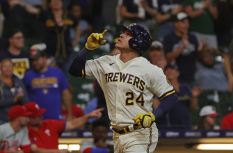 Avisail Garcia's home run powers Brewers over Phillies, 10-0 thumbnail