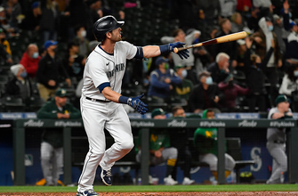 Mitch Haniger's monster night powers Mariners over A's, 13-4