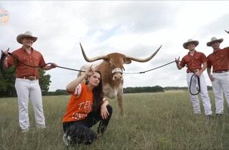 Charlotte Wilder meets Texas Longhorns mascot Bevo | Ultimate College Football Road Trip