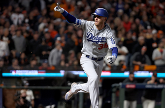 Cody Bellinger hits clutch go-ahead RBI-single to give Dodgers lead over Giants, 2-1 thumbnail