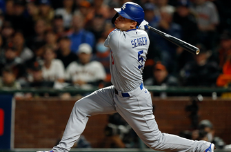 Corey Seager laces RBI-double, gives Dodgers 1-0 lead over Giants thumbnail