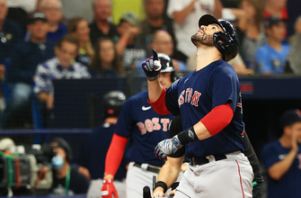 Kiké Hernandez, J.D. Martinez go yard in the fifth to give Red Sox 8-5 lead over Rays thumbnail