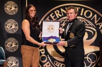 Stephanie McMahon incluida en el Salón de la Fama del Deporte Internacional