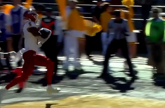 Fresno State Bulldogs' QB Jake Haener rolls out and finds Jalen Cropper for a three-yard touchdown to extend the lead over Wyoming.