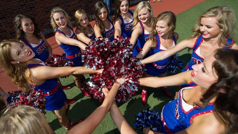 SMU cheerleaders