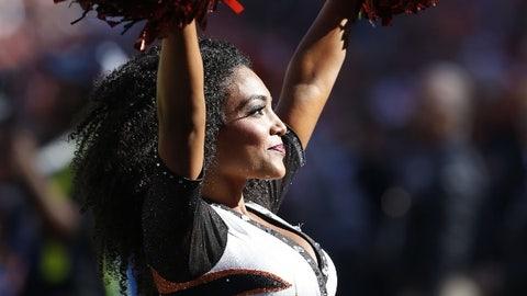 Ravens cheerleader