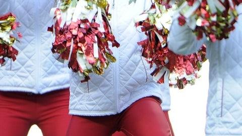 Chiefs cheerleader