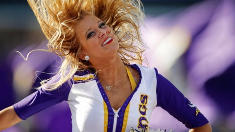 Vikings cheerleader