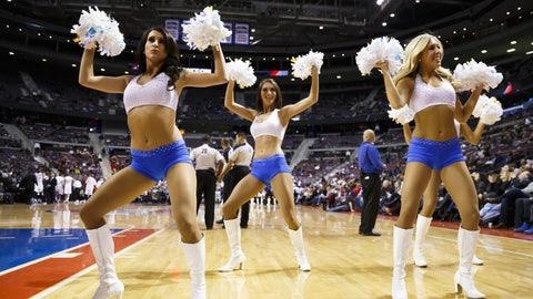 Pistons dancers