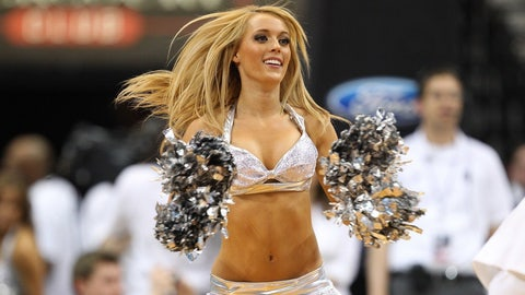 Indiana Pacers dancer