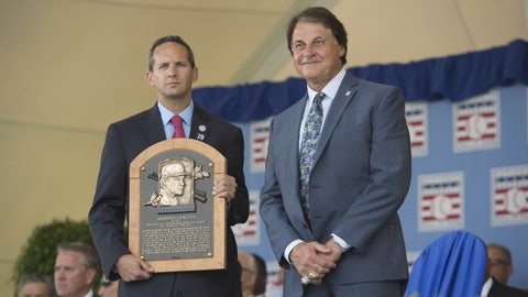 La Russa inducted into Hall of Fame