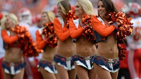 Broncos cheerleaders