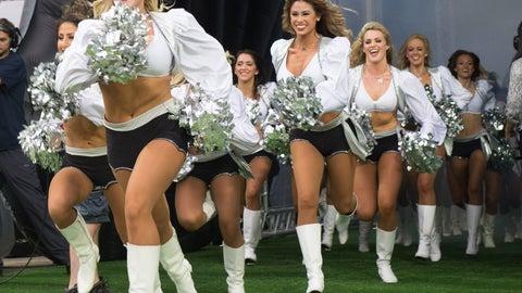 Raiders cheerleaders