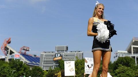 Vanderbilt cheerleader